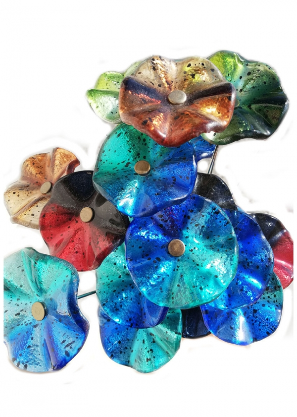 Fusing glass flowers